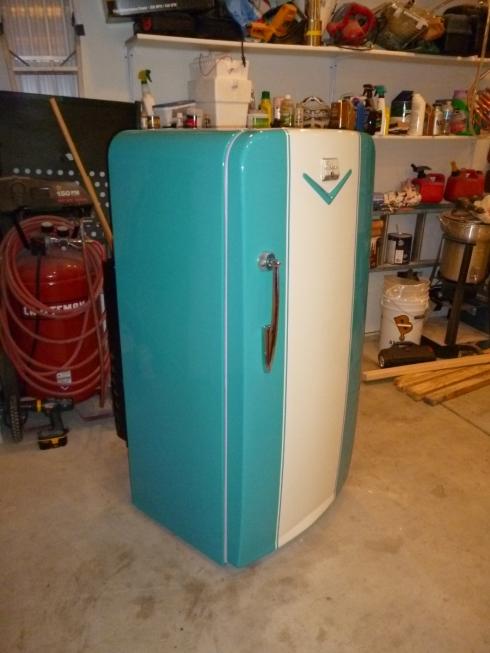 Jim Contacted Me Looking For A Buyer His Restored 1952 Coldspot Refrigerator Love The Hawaiian Aqua Paint Job Perfect Retro Kitchen