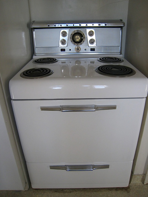 This Stove Looks To Be A 1952 Or There Abouts. Hereu0027s A Few Ads I Found On  The Web U2013